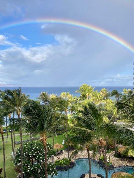 Maui rainbow.jpg